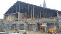 Début de la reconstruction du mur